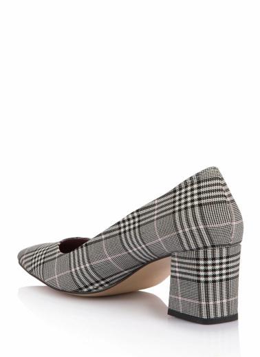 DeFacto Sivri Burun Kalın Topuklu Ayakkabı Renkli